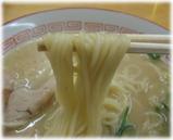 成竜軒 大財店 ラーメンの麺