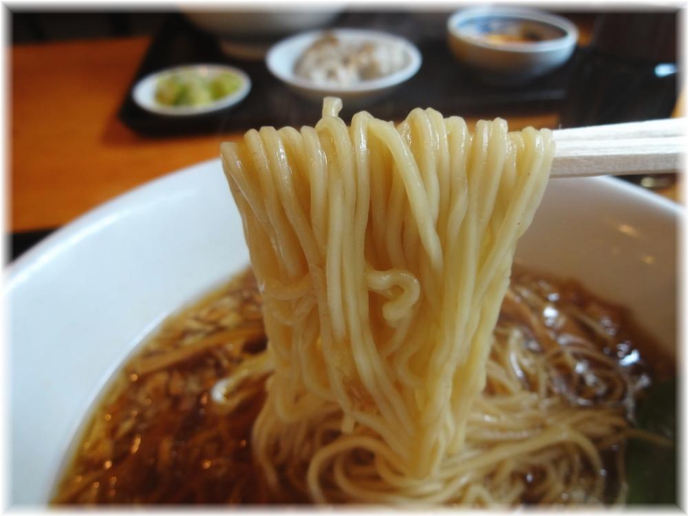 ちょろり ランチ定食Bの正油ラーメンの麺