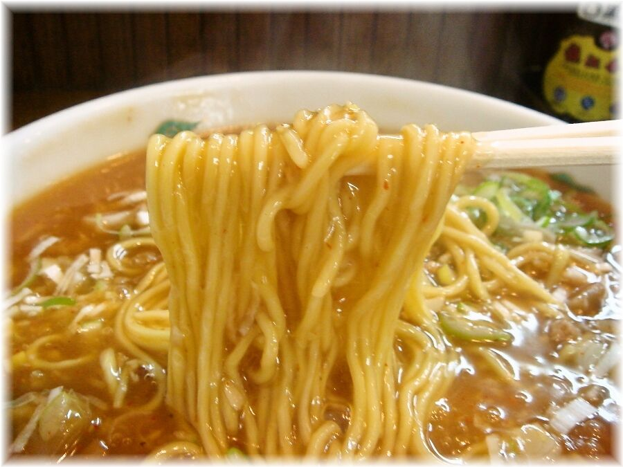 北京 タンタンメンの麺
