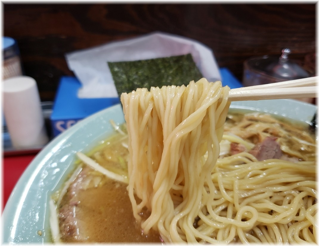 ラーメンショップ金田亭 ネギチャーシューメンの麺