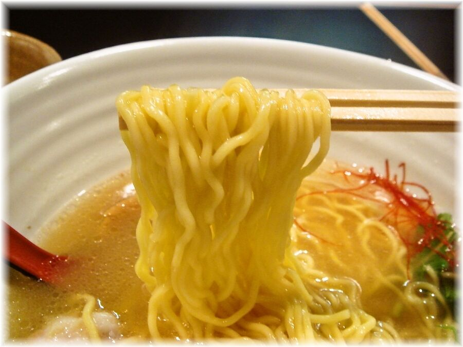 銀笹 塩らーめんの麺