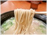 長浜ナンバーワン(箱崎) ラーメンの麺