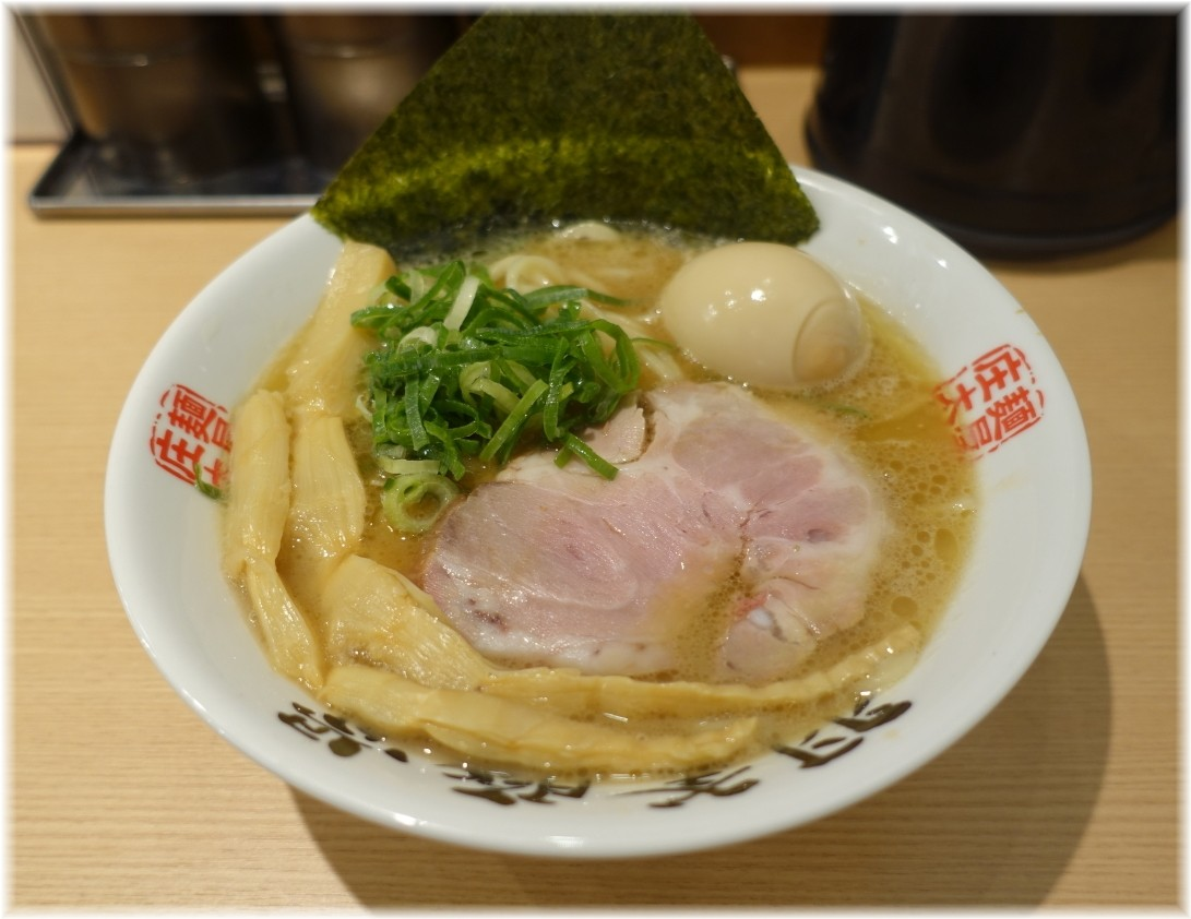 麺屋庄太赤坂店 らぁ麺(並)と煮玉子