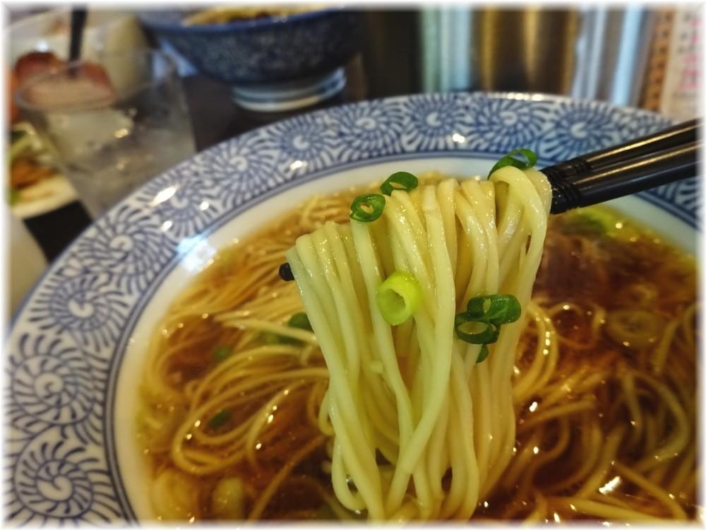 麺処ほん田niji 豊潤鶏だし醤油ラーメンの麺