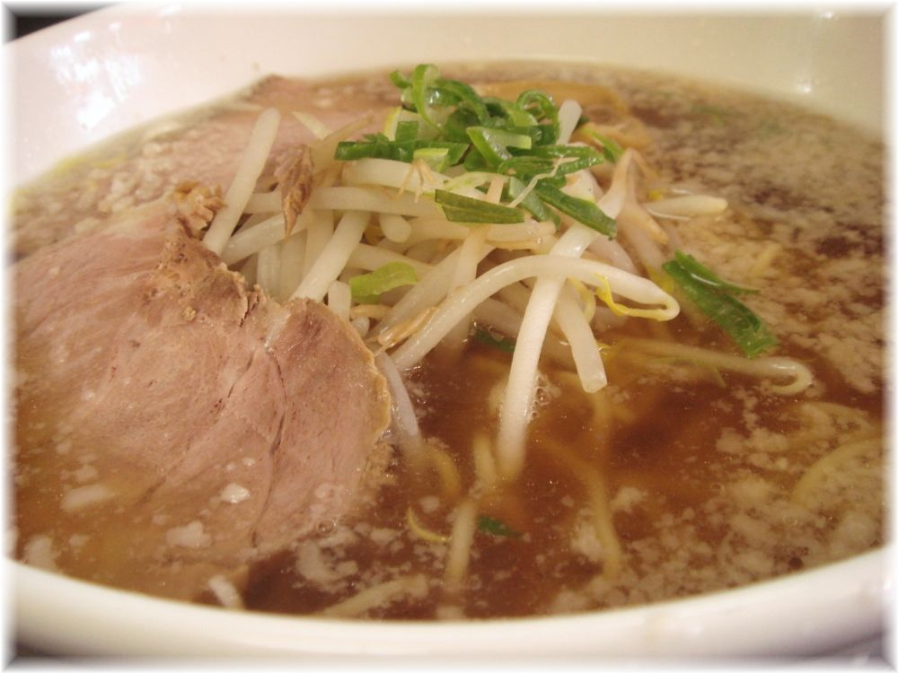 らーめん丸宮 醤油ラーメンのスープ