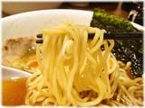 汁八番 煮干し醤油らぁめんの麺