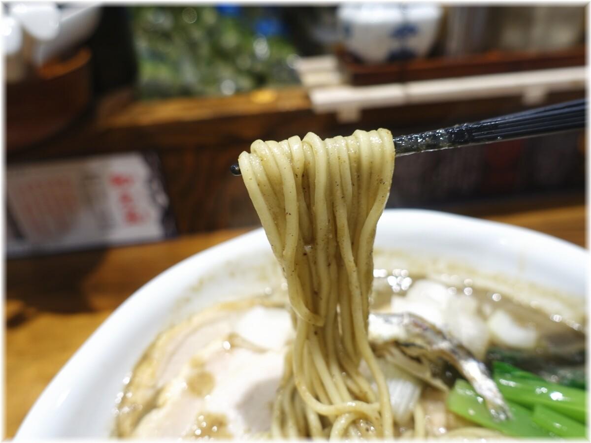 古田島 ゴクニボ瀬戸内煮干らーめん全部のせの麺