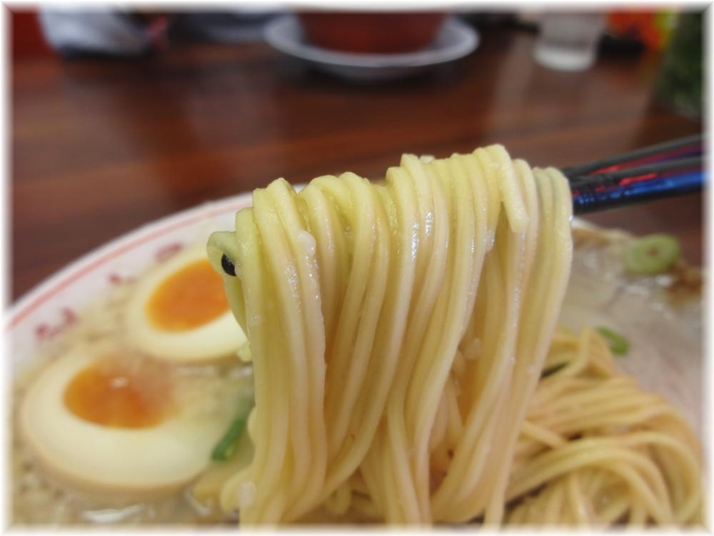 魁力屋川崎新城店 コク旨肉玉ラーメンの麺