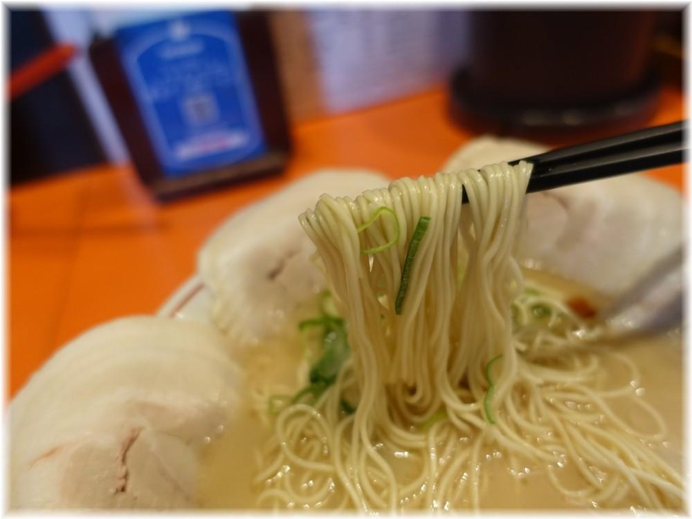 福ヤ2 チャーシューメンの麺