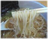 らーめん初代 白たまり醤油の麺