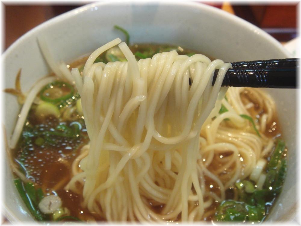ぷらっとラーメン 博多No.3 正油ラーメンの麺
