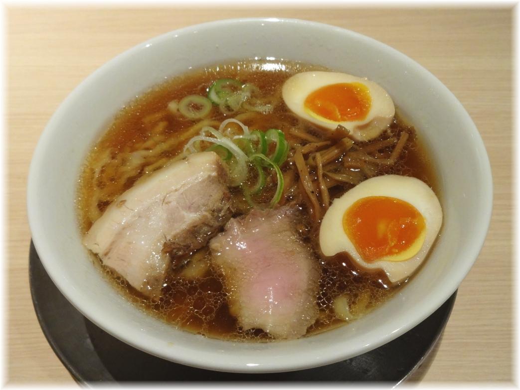 麺や七彩 味玉らーめん(醤油味)