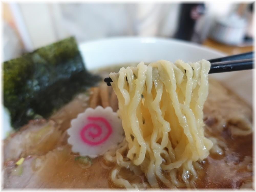 手打ち中華もめん ワンタン焼豚麺の麺