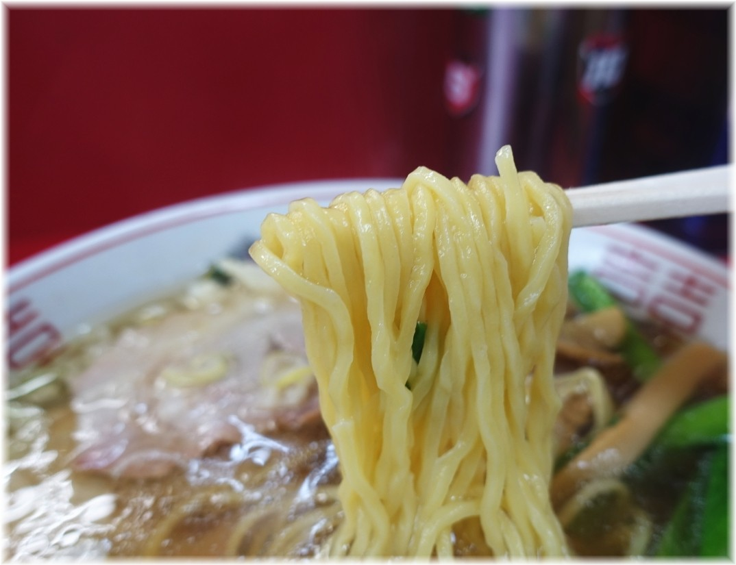 バリバリラーメン チャーシューメン(ニンニク入り)の麺