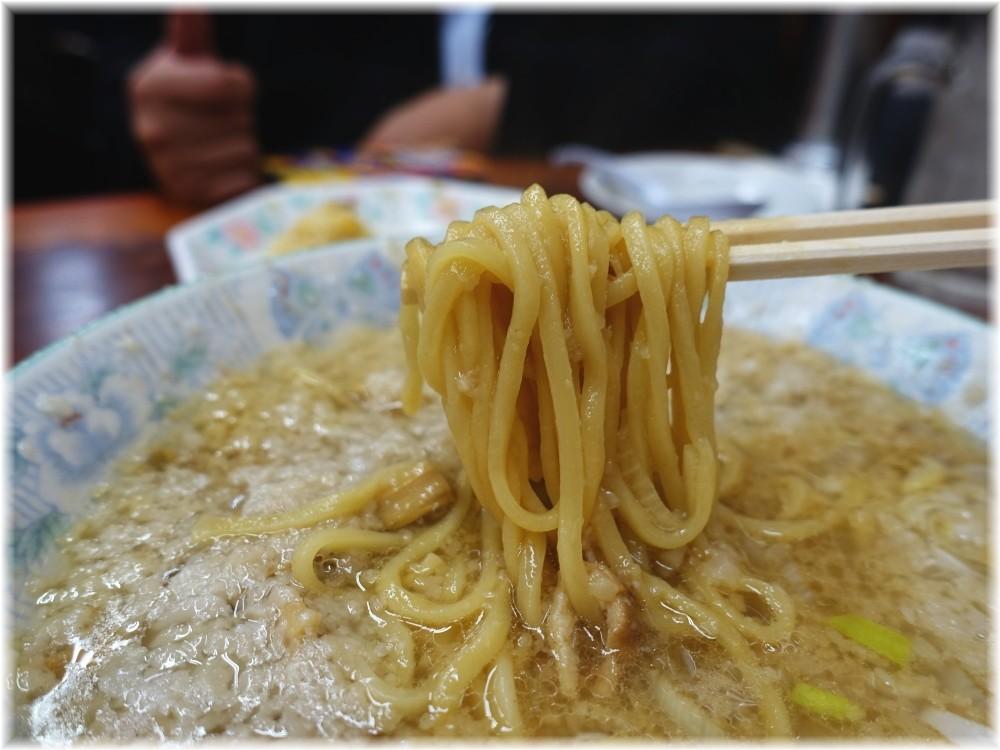 土佐っ子ラーメン2 土佐っ子ラーメン(背脂多め)の麺