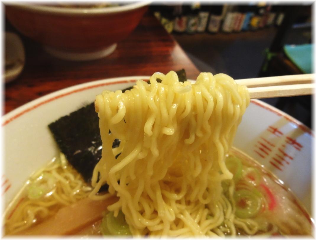 焼酎屋ぴーちゃん 塩ラーメンの麺