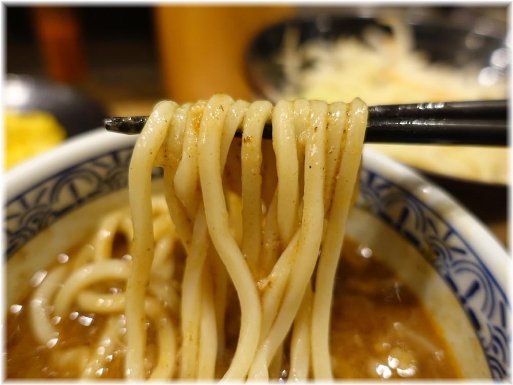 三田製麺所7 濃厚魚介味噌つけ麺の麺2