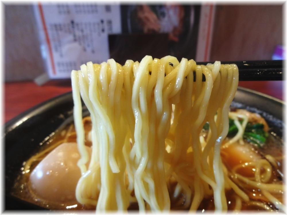 阿羅漢 ラーメン(醤油)の麺