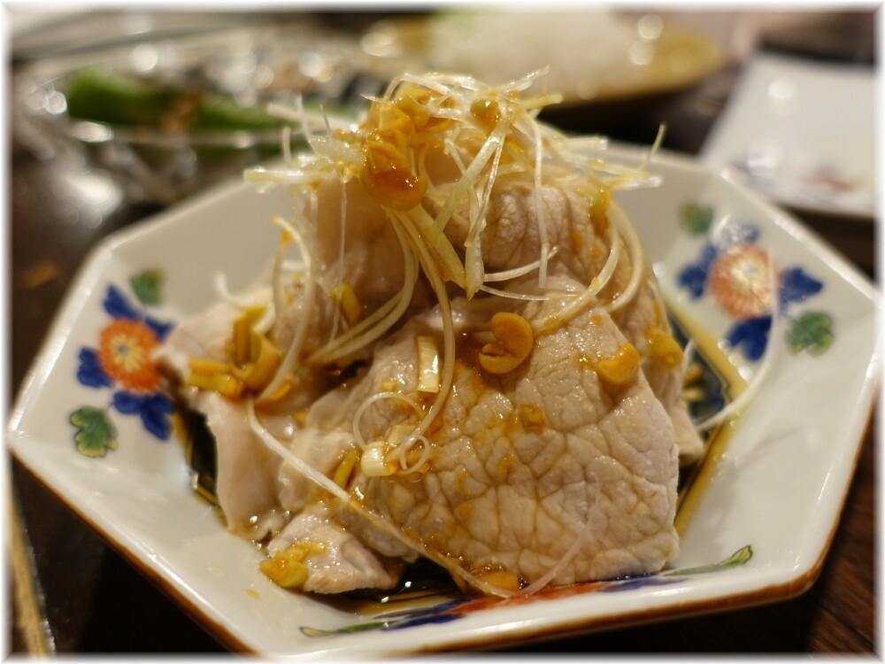 金町製麺13 豚しゃぶの油淋ソースがけ
