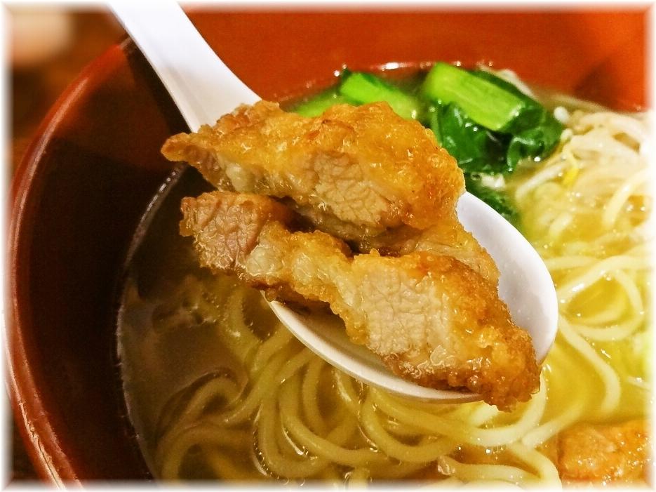 万世麺店新宿西口店 排骨拉麺のパーコー2