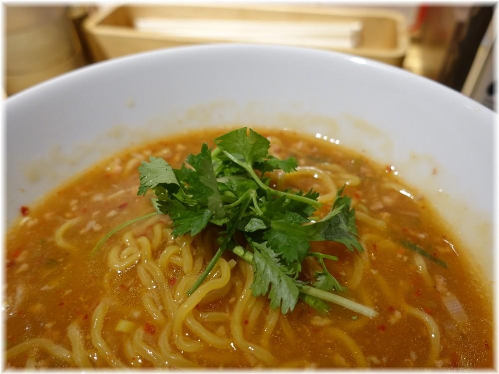 小田原タンタン麺たかみ 特製タンタン麺にパクチー