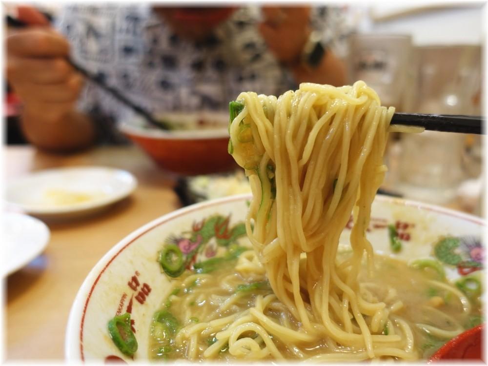 天下一品水道橋西口店 ネギラーメンの麺