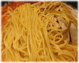 グスタメン 鶏絲担担麺の麺