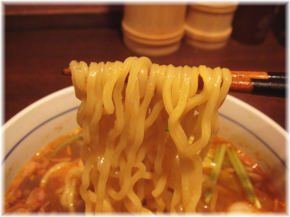 It's shrimp エビ麺の麺