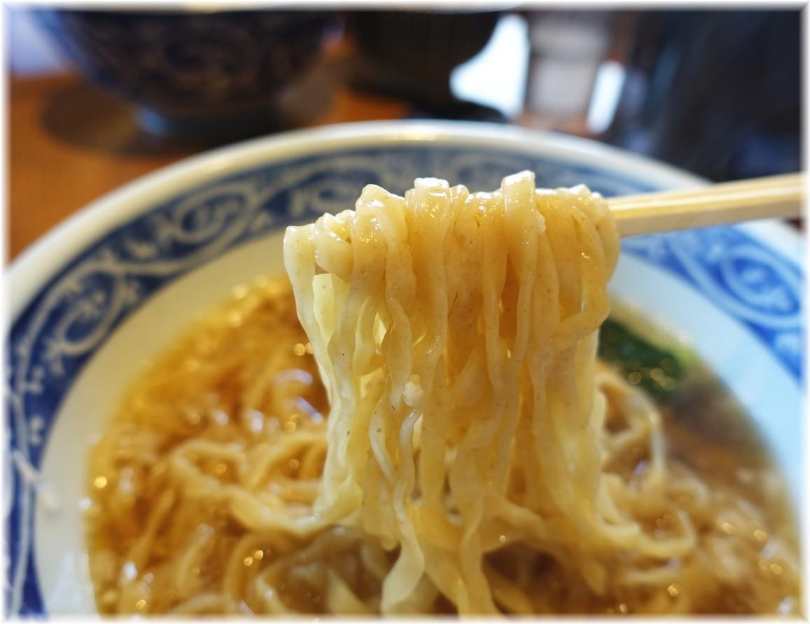 寿製麺よしかわ川越店5 アゴ飯干の醤油豚骨そばの麺