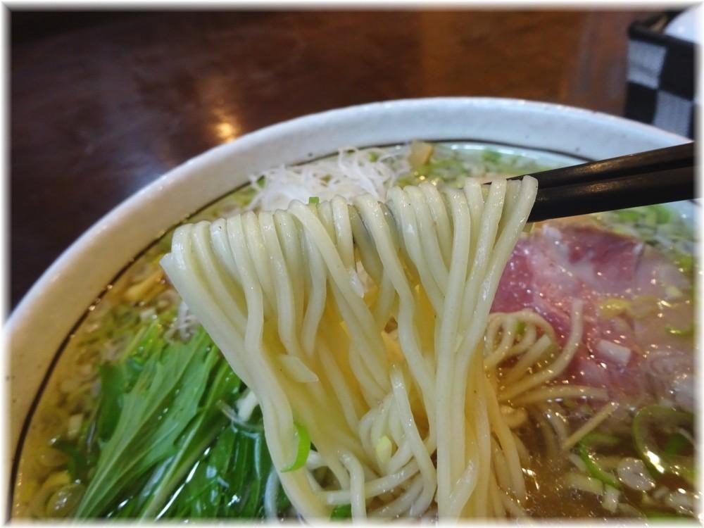 SPORTS DINING REGISTA 味玉塩ラーメンの麺