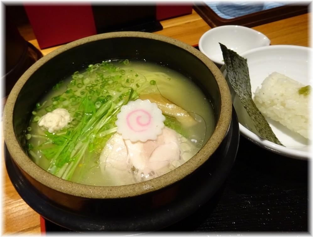 博多鶏ソバ華味鳥 華味鳥水炊きラーメン