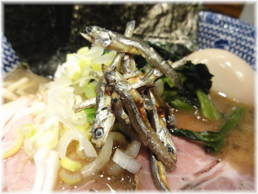 東京煮干屋本舗 特製煮干ラーメン(にぼ増し増し)の煮干し