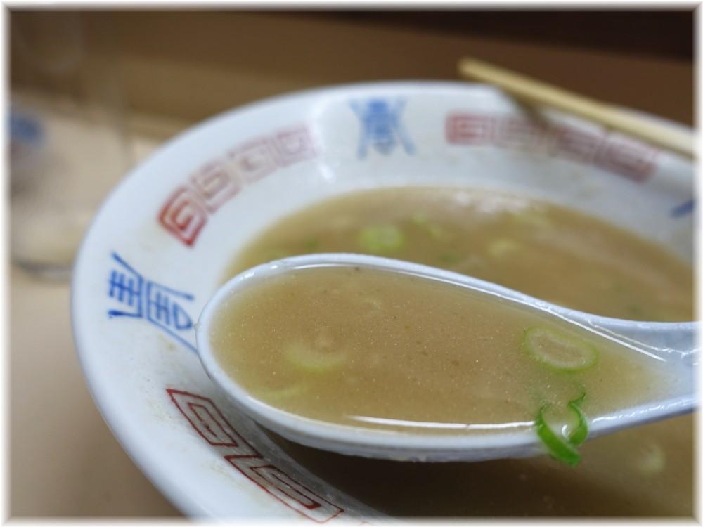八ちゃんラーメン4 ラーメンのスープ2