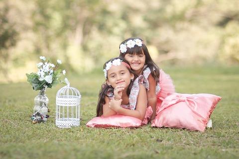 girls-4337453_640