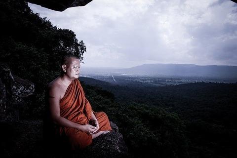 monks-3739837_640