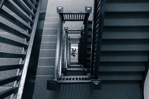 staircase-828601_640