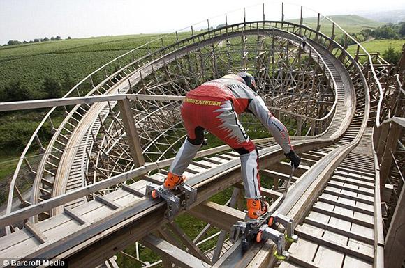 Adrenaline-junkie-skates ローラースケート ジェ...  Dirk Au