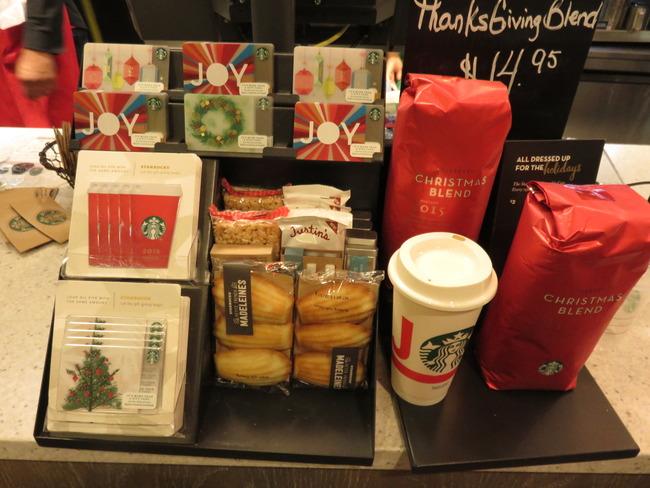 スターバックスクリスマスカードとカップ