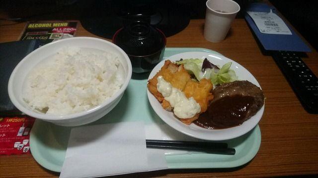 【画像あり】ネカフェで食べるご飯うますぎワロタァ!