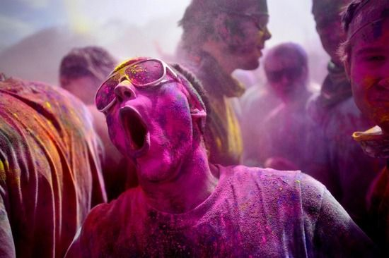 【画像】syamuさん、インドのお祭りで発見されるwwwwww