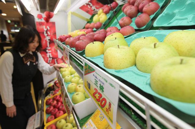 「赤いリンゴ」消える?手間がかからない黄色リンゴに植え替える動きが広がる