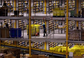 【朗報】Amazon、倉庫労働者の退屈を紛らわせるために「ゲーム」を導入