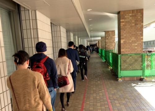 【驚愕】「ポケモン剣盾」を求めて各地で大行列が発生!!!