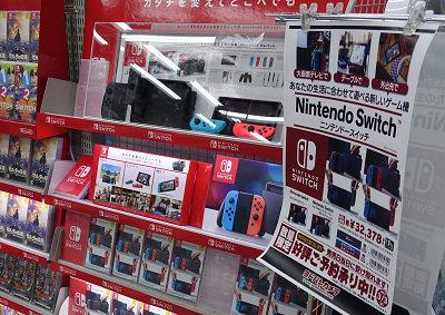 【悲報】「Switch品薄商法やめろ!」「スプラ2までに普通に買えるようにして!」遂に親御さん達の怒り爆発!!