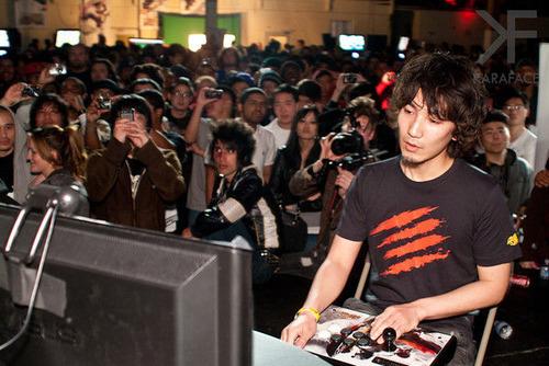 【悲報】日本一のプロゲーマーさん、闘いすぎて廃人になってしまう…