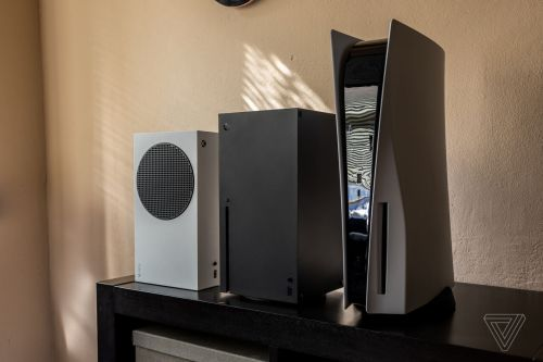 【比較画像】PS5、箱XとSを並べてサイズを比較