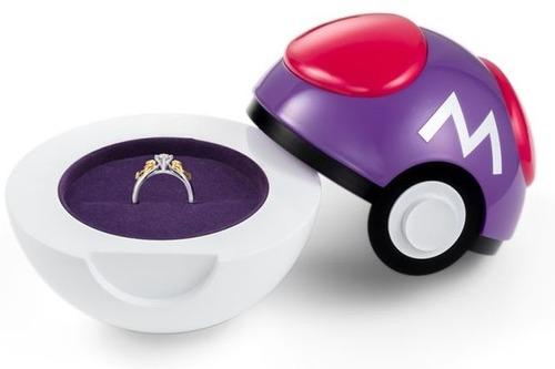 【朗報】ポケモンボール型指輪入れ「ポケボール」が発売! ピカチュウ婚約指輪を入れて嫁をゲット、こうかはばつぐんだ!!