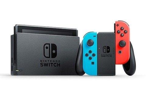 電撃PS「Switchは年末は強いが夏から秋口にかけてのラインナップは小粒感が否めない。市場はPS4とSwitchの売上を合わせると85%占めるので好調」