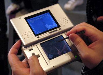 カービィアニメ関係者「DSの2画面とペンのアイデアを提案したのは、アニメ制作会社の社長」