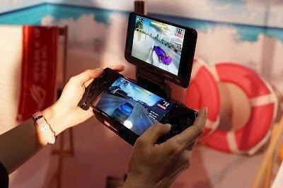 【速報】ASUS新型ゲームスマホを発表! SD855+12GBメモリ物理キーでSwitchの5倍の性能カプコンタイトルも最適化!!